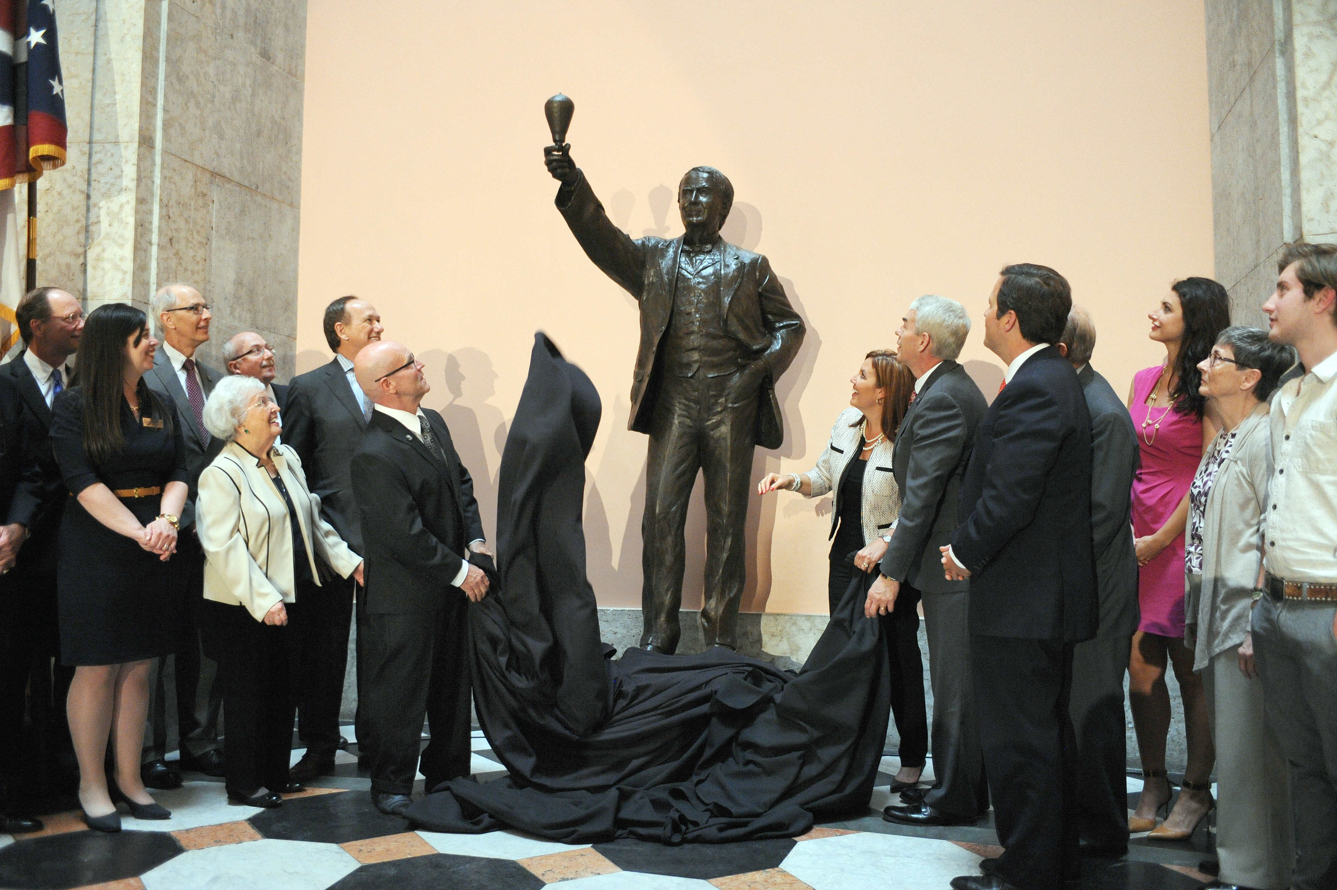 Edison Statue Unveiled to Citizens of the Ohio Statuary Hall Commission