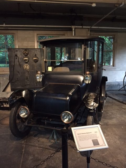 1914 Model 47 electric vehicle