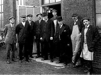Edison R&D employees outside the electrical / physics shop at West Orange
