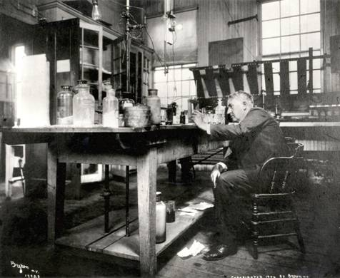 What Characterizes Inventors Like Edison?