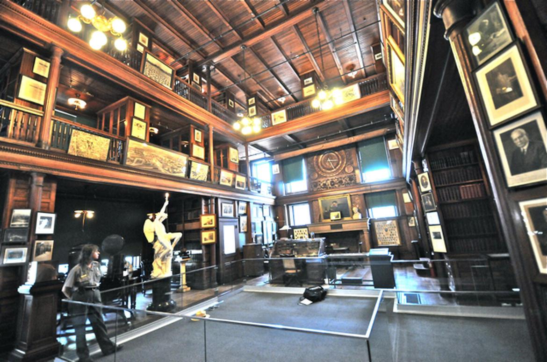 Edison's Desk: An Education and Media Platform
