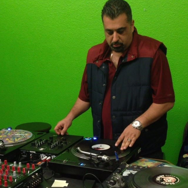 Thud Rumble-Tech Savy DJs using Intel Edison as part of their Turntables and Audio Equipment