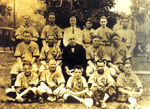 EdisonBull Baseball Team with TAE 1920s